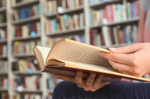 独立・開業を考えている美容師・理容師の皆さまへ 必見!「独立・開業前に読んでおくべき本」5選
